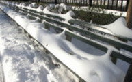 Thumbnail Snow-covered Park Bench, NYC