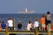 Thumbnail Viewers watch Space Shuttle Atlantis launch