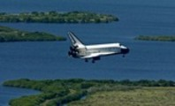 Thumbnail Space Shuttle Atlantis returns to Earth
