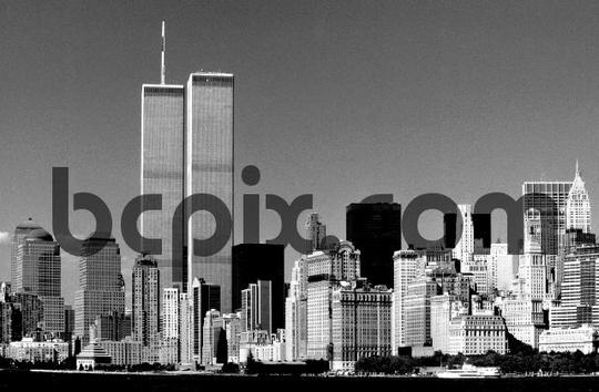 Product picture Worlld Trade Center, New York City skyline 1999 black and wh