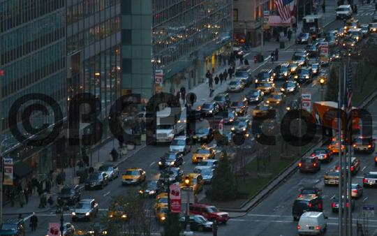Product picture Evening traffic on Park Avenue, NYC