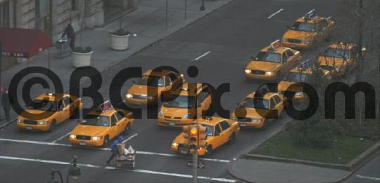 Product picture New York Taxis at a traffic light