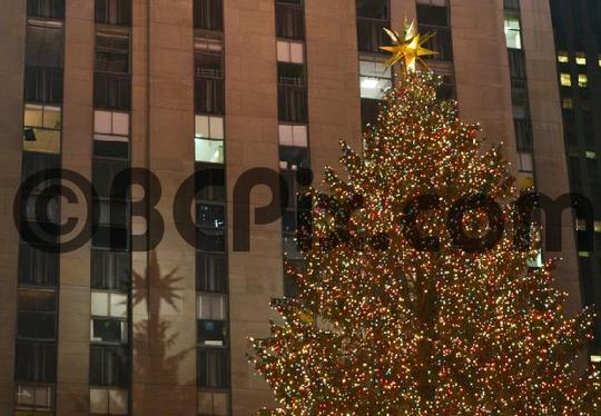 Product picture Rockefeller Center Christmas tree and shadow, NYC