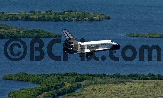 Product picture Space Shuttle Atlantis returns to Earth